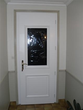 Porte d'entrée - rénovation, à Maulevrier (49)