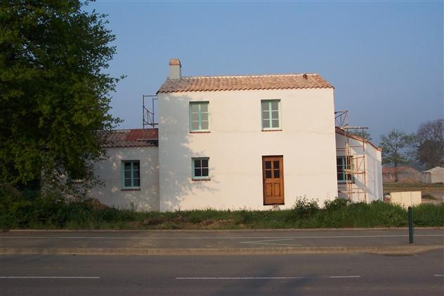 BOUAYE  maison matériaux écologique ,  en finition réalisée par le maître d'oeuvre: Régine Blanchard basé à Saint Viaud 44 320( secteur Saint Nazaire- Nantes 44)