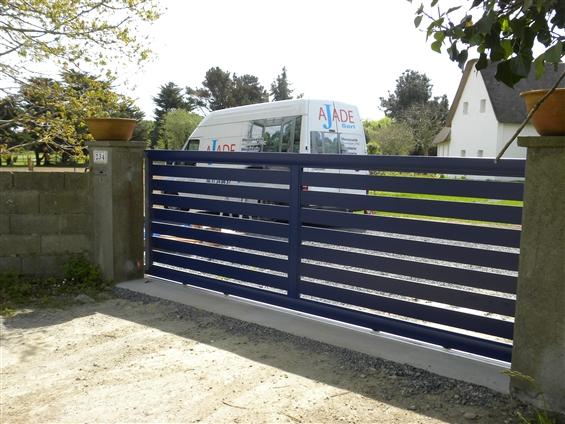 Particulier : Pose d'un portail coulissant motorisé - 44410 ST LYPHARD