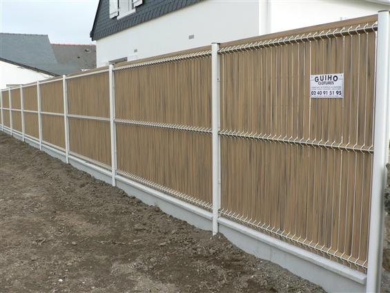 Fourniture et pose d'une  clôture métallique double lamelles pvc bambou  44600 ST-NAZAIRE