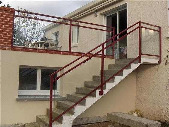 Escalier et garde-corps vitrés pour terrasse. Clisson (44190)