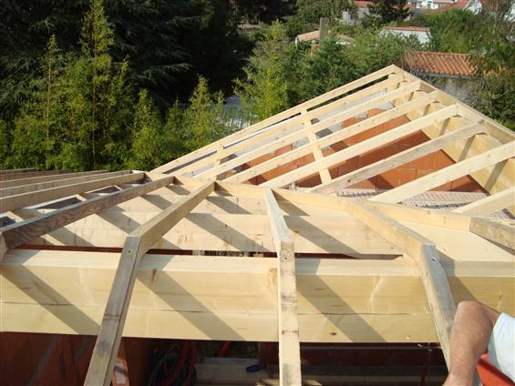 charpente traditionnelle d'une maison individuelle à Clisson 44190