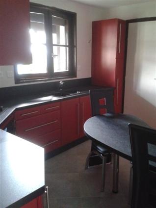 Pose d'une cuisine à Saint Sebastien sur Loire 44230.