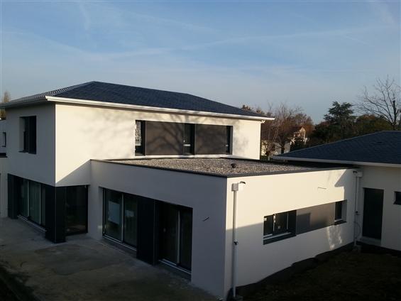 Maison avec terrasse plate  gravillon CARQUEFOU 44470