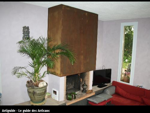 peinture décorative dont hotte cheminée avec effet rouille