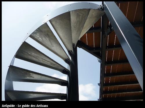 Rénovation St Nazaire  escalier extérieur . Régine Blanchard Maitre d 'œuvre  a Saint Viaud