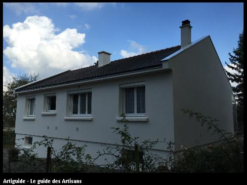 44240 - Sucé Sur Erdre - ravalement de la façade - pose de bavettes Aluminium laqué sur les acrotères