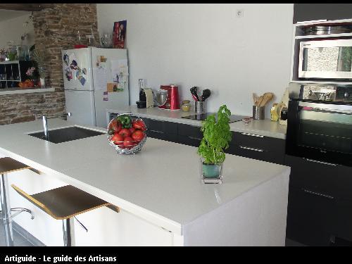 Réalisation d'un comptoir de cuisine par l'entreprise Gilles Normand situé à ROUANS 44 640