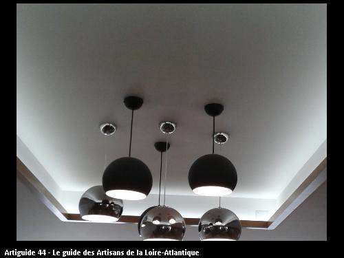 Eclairage décoratif d'une salle de restaurant à LA PLAINE SUR MER
