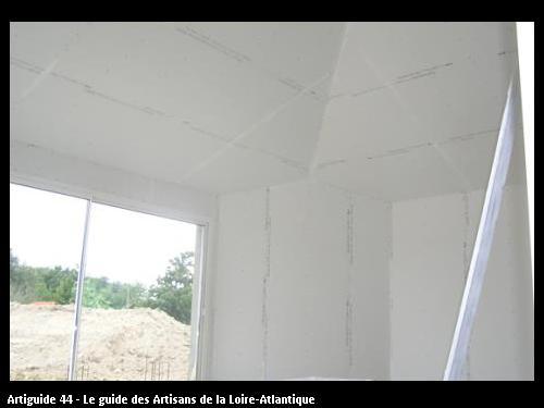 plafond rampant en plaque prégydéco pré peinte pret pour les bandes