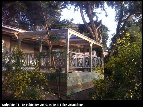 Agencement de terrasse réalisé par l'artisan SMP