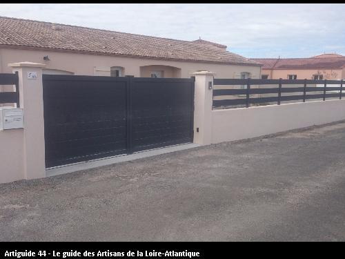 Pose d'un Portail Motoriser plus interphone et clôture ALU A CHAUVE 44320