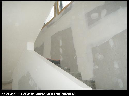 Habillage escalier en plaques de plâtre BA13  chantier CLISSON
