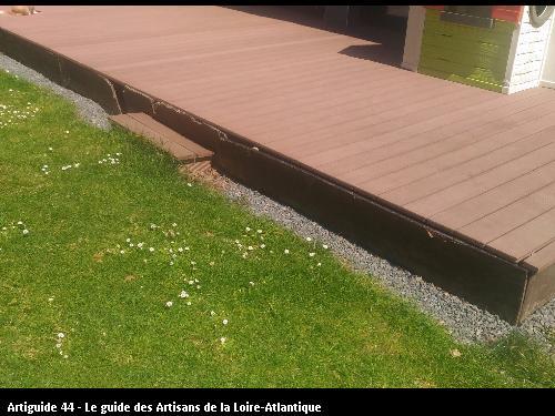 Terrasse réalisée par le client de Pornichet (44380) avant travaux pour réalisation d'une marche en périphérie.