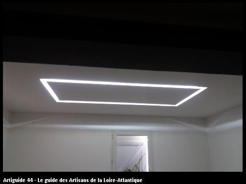 Eclairage par corniche staff réalisé par l'entreprise Electricité Martin située à Saint Père en Retz 44320