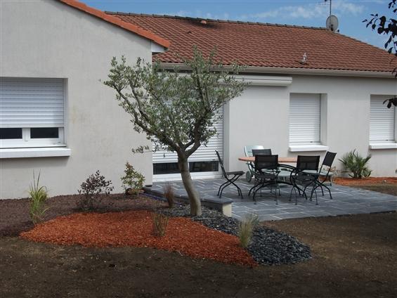 Aménagement de jardin à VALLET 44330.