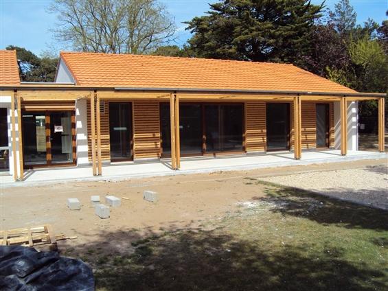 Menuiserie exterieure en bois CCAS St Brévin