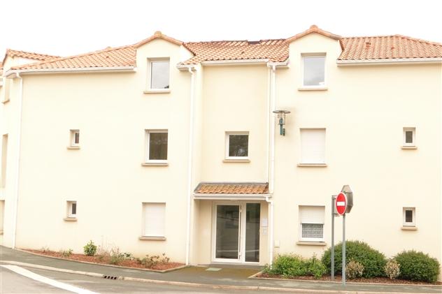 pose de fenêtres sur immeuble à la Rocheservière 85190
