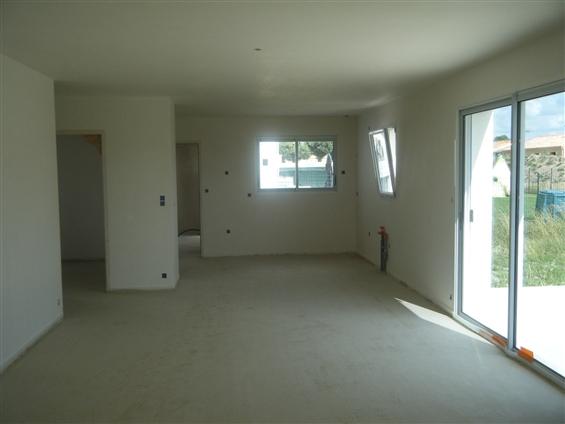 chantier brique et plâtre maison neuve à La BRUFFIERE 85530.chantier en briques enduit au plâtre