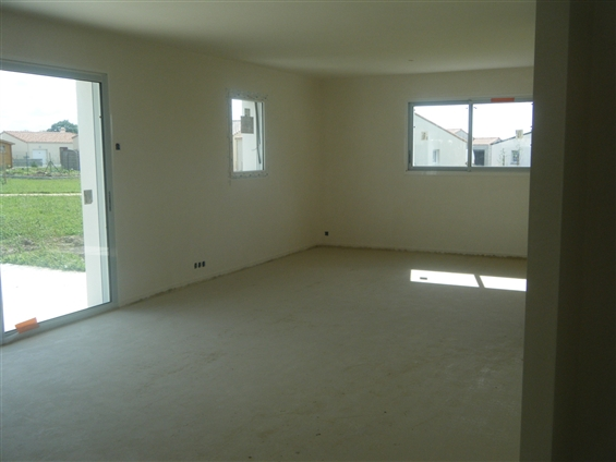 chantier brique et plâtre maison neuve à La BRUFFIERE 85530.
