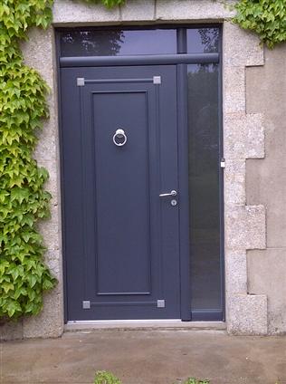 Installation d'une porte à Vallet 44330.