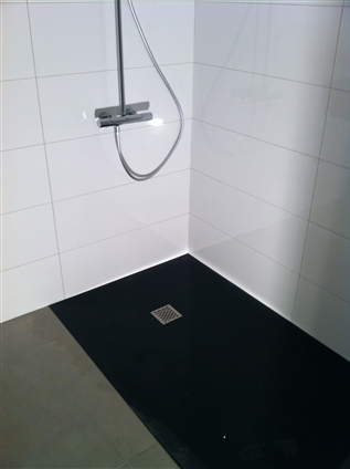 Pose d'un receveur de douche avec robinetterie à La Baule 44500.