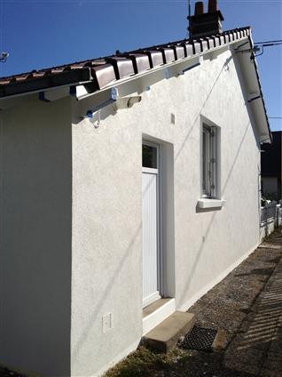 44380 - PORNICHET - Enduit taloché sur façade.