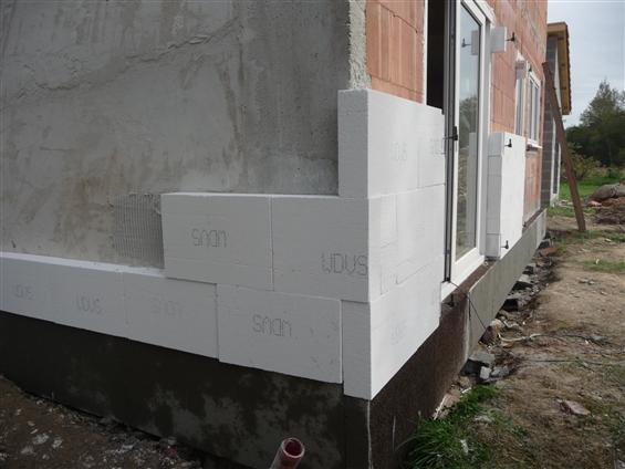 STE PAZANNE 2/3   rénovation ,  isolation par l extérieur , travaux  en cours ,: Régine Blanchard Maitre D'œuvre Saint Viaud