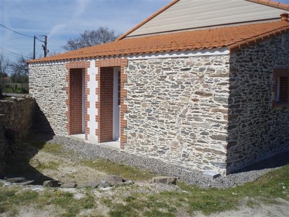 Rénovation pierres apparentes à FROSSAY 44320.