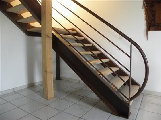 réalisation d'un escalier sur mesure à Clisson 44190.
