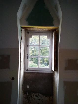 Fenêtre posée dans les lucarnes pierres sur le secteur du pays de retz 44340