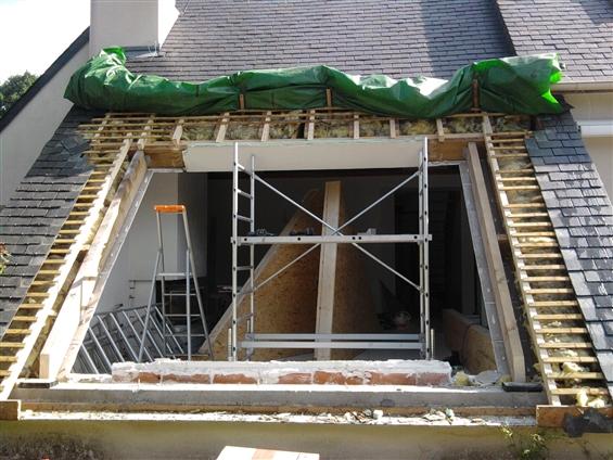 Création d'une ouverture sur toiture à SAUTRON 44880.