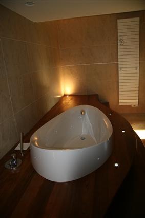 Pose d'une baignoire sur plateau bois - 44240 LA CHAPELLE SUR ERDRE