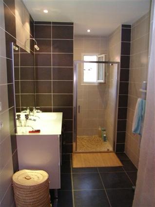 Salle de bain avec fenetre dans la douche salle de bain - Douche italienne avec fenetre ...