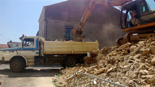 Démolition d'une maison à La Chapelle basse mer 44450.